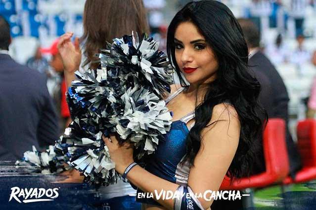 Porristas del Monterrey derrochan belleza, sensualidad y pasión