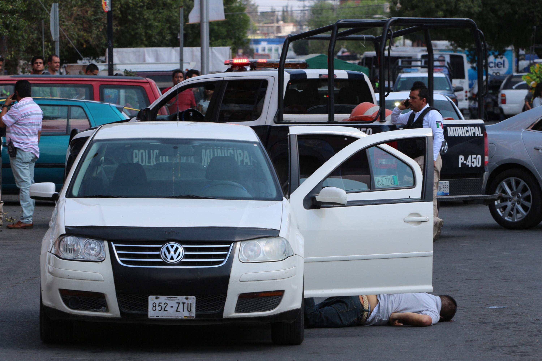 Hallan dos vehículos e indagan nexo con crímenes en Agua Santa