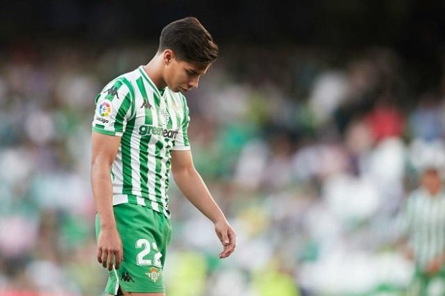 Betis pide a Diego Lainez que consiga un club para irse a préstamo