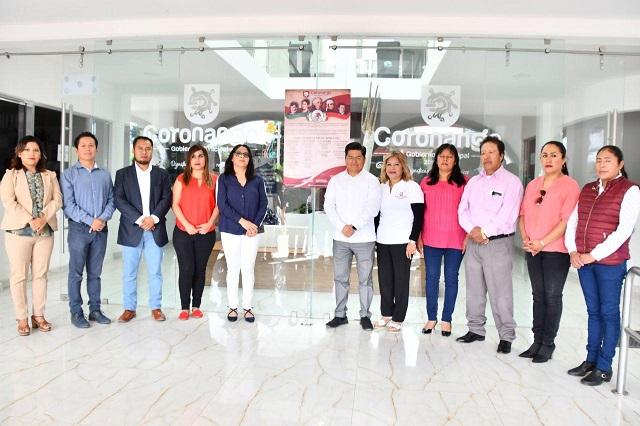 Autoridades de Coronango colocaron Bando Solemne de Fiestas Patrias