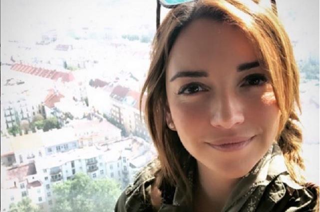 Regina Blandón presume escotado vestido en Instagram