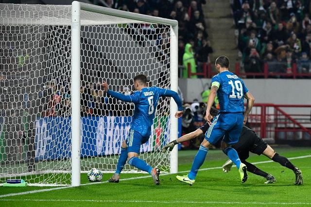 Ramsey anota gol con Juventus y los famosos tiemblan por su 'maldición'