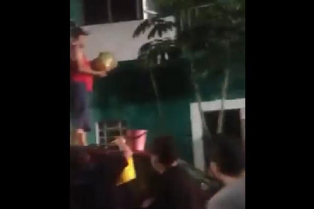 Video: hombre apuñala y quema a sus 6 hijos: 5 sobrevivieron