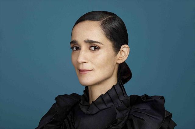 Tras cuatro años de ausencia, Julieta Venegas regresa con un nuevo disco