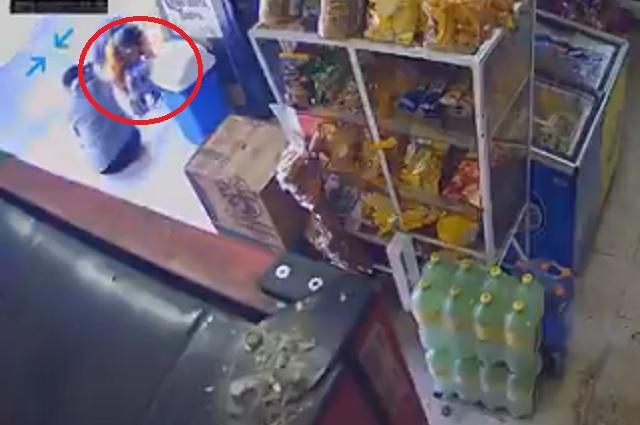 Video: captan a mujer que utilizaba a su hijo para robar