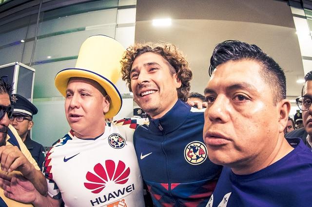Así recibieron a Guillermo Ochoa en su regreso al