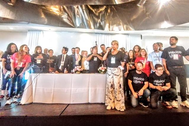 Con exfuncionarias de IEE y Rivera, va partido de Calderón en Puebla