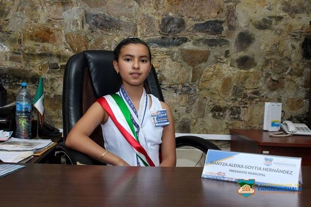 Joven mexicana crea producto natural para degradar unicel