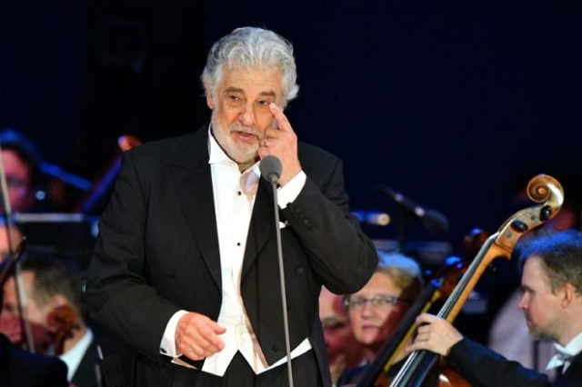 Plácido Domingo recibe premio pese a denuncias por acoso sexual