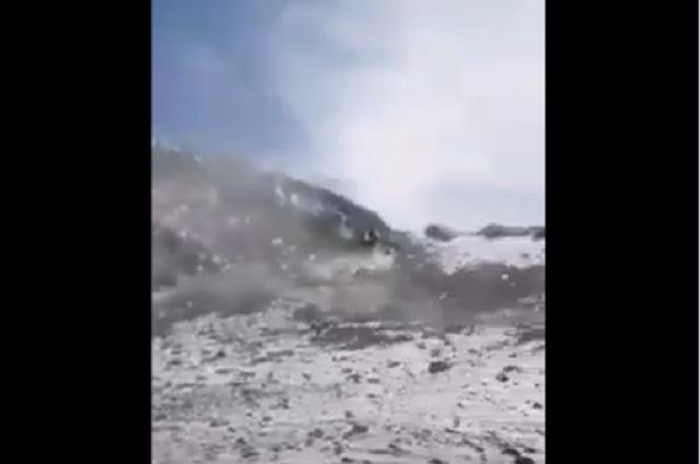 Video: pese a prohibición, jóvenes escalan cráter del Popo