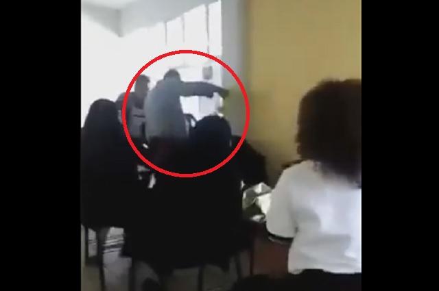 Video: alumno se queda dormido y profesor lo despierta con agua fría
