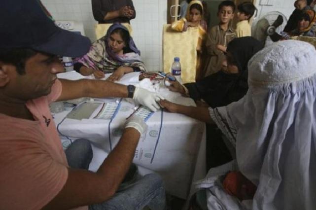 Pediatra infectó de VIH a 900 niños por reutilizar jeringas