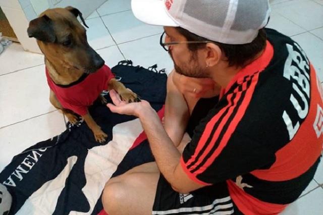 Hombre vende sus boletos para salvar a su perro del cáncer