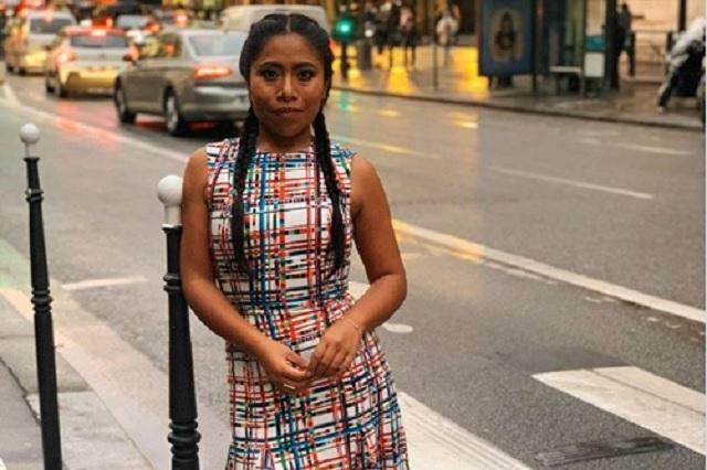 Yalitza Aparicio deslumbra en Instagram con vestido de sarapes
