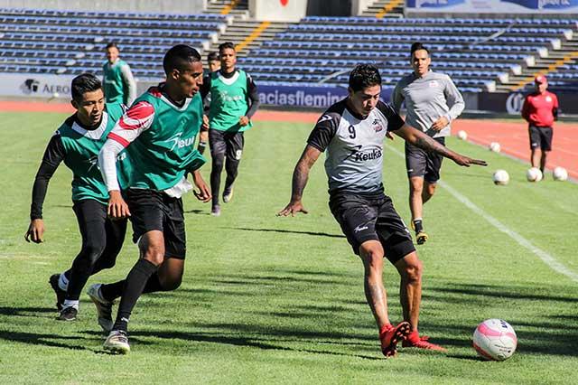Lobos intensifica su práctica de cara al duelo ante el Club Puebla