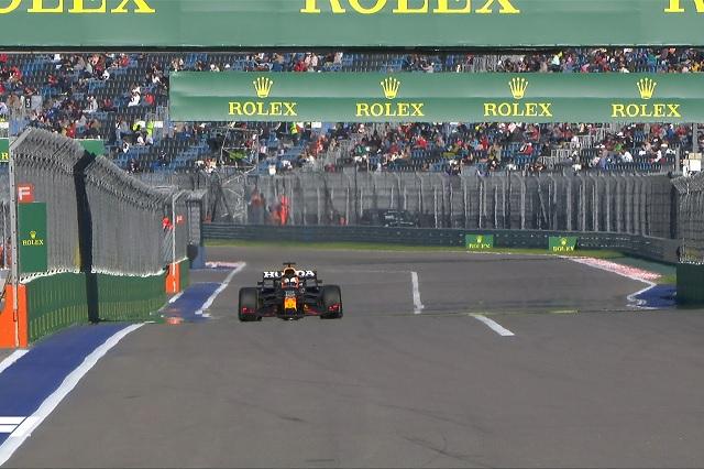 F1: Bottas domina prácticas en Sochi; Checo queda fuera del top 10