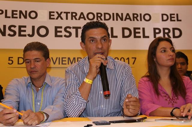 Morenovallistas ungen a Carlos Martínez como líder del PRD