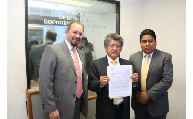 El PRD denuncia en la PGR a Josefina Vázquez Mota