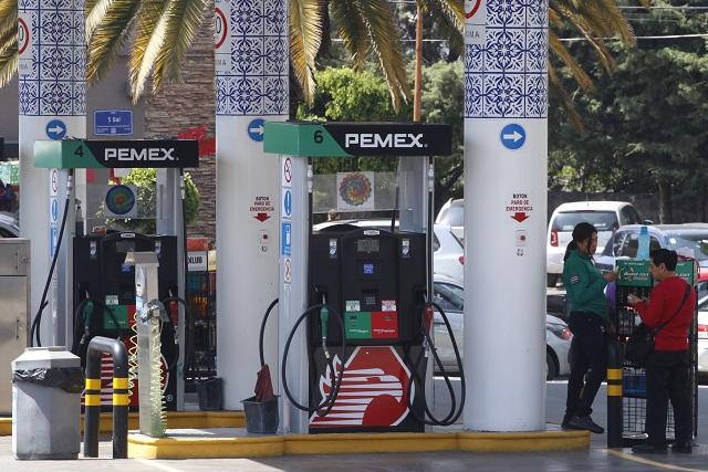 Ronda los 13 pesos el litro de gasolina estándar en Puebla