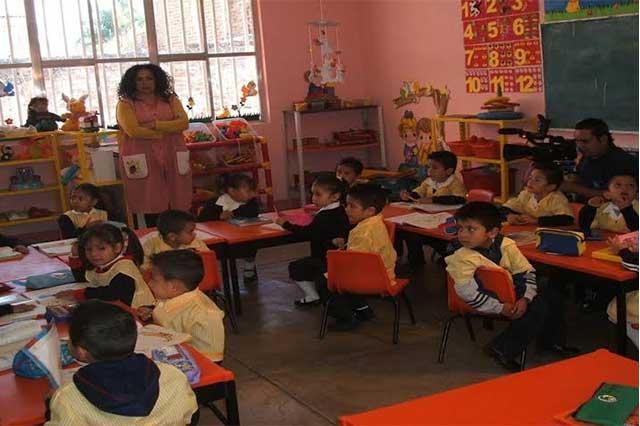 Demanda la UNPF a la SEP razones para ampliar horario escolar