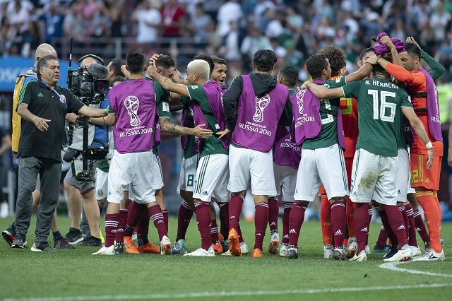 Chicharito y Funes Mori destacan en prelista de México para Copa Oro