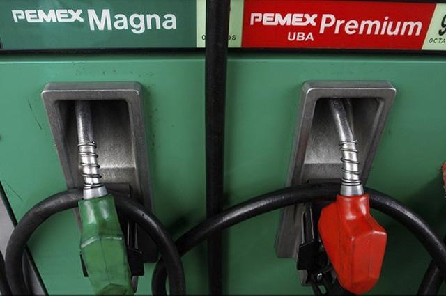 Bajará precio de la gasolina; Hacienda ajusta IEPS