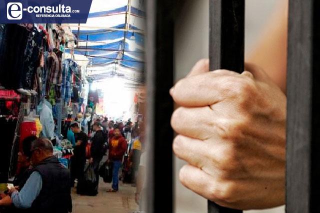 Denuncian persecución política contra tianguistas de Texmelucan