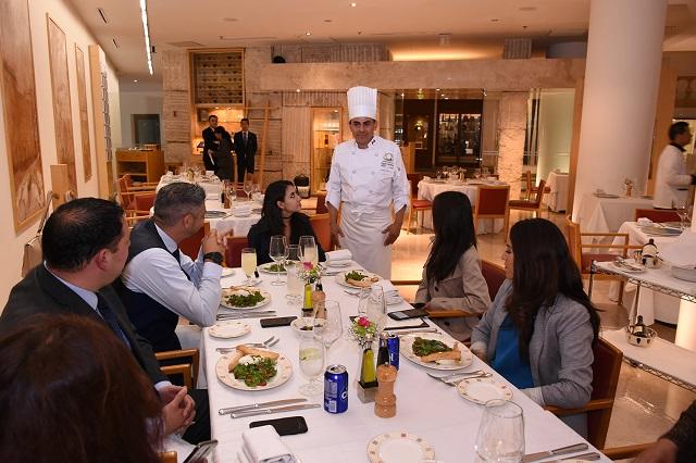 Alumnos Le Cordon Bleu – Anáhuac presentan menú en Alfredo di Roma