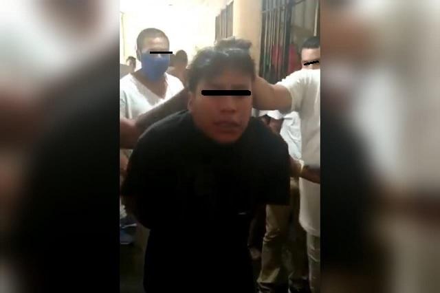 Van contra custodio en Tehuacán por video donde golpean a reos