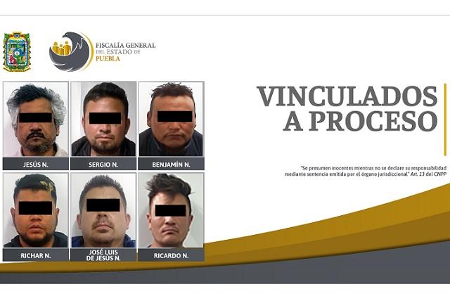 Vinculan a proceso a seis por violencia familiar en Puebla