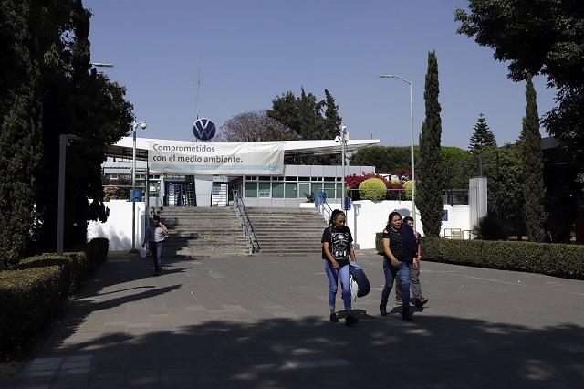 Trabajador de VW murió por neumonía, aclara familia