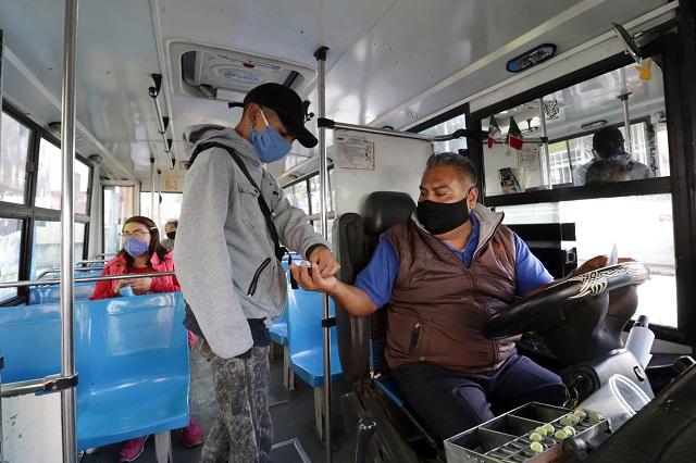 Acusan entrega discrecional de subsidios a transportistas en Puebla