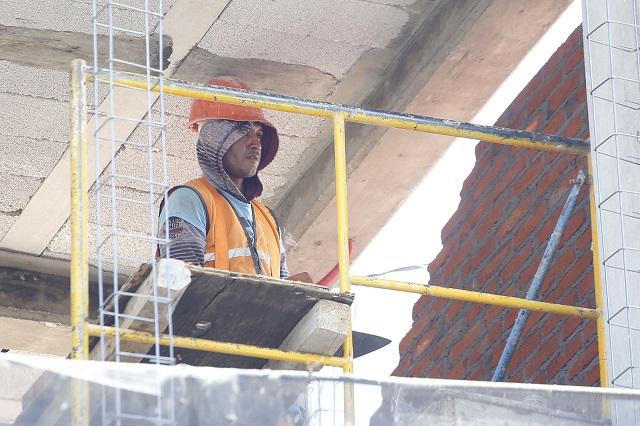 Baja 27.5 % el personal de la construcción en Puebla