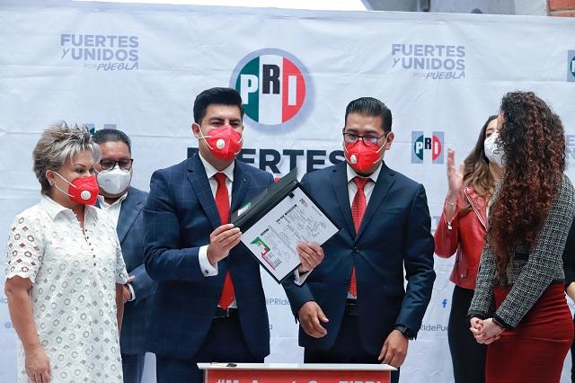 PRI recibe a Collantes y quiere a más alcaldes y diputados