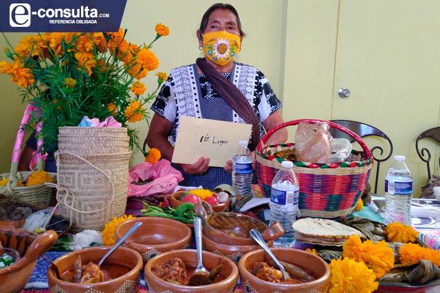 Premian a Gudelia por hacer el mejor mole de caderas de Tehuacán