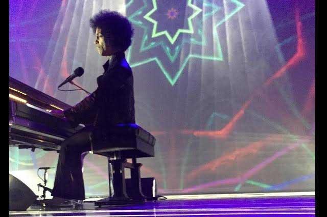 Comparten videos del último concierto de Prince