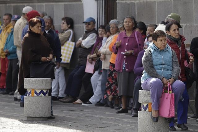 En efectivo, gobierno federal paga 8 mil mdp de pensiones