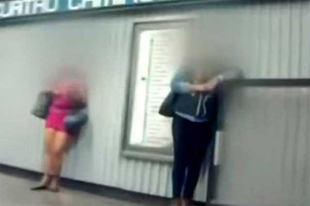 Reportaje muestra cómo se ejerce la prostitución en el Metro CDMX