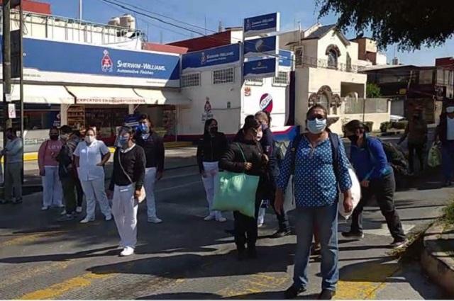 Estudiantes de enfermería piden plazas para servicio social