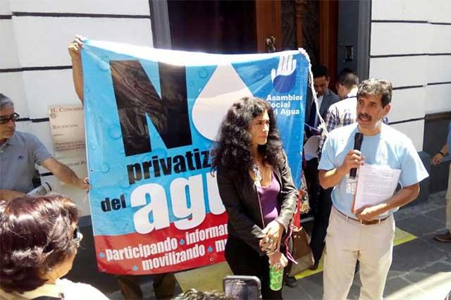 Protestan ante el Congreso por la privatización del agua y la ciclovía