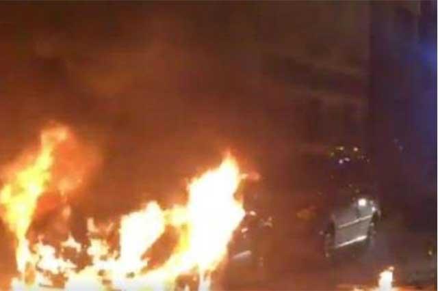 Protesta de chinos en París termina con vehículos quemados y 3 policías heridos