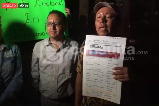 Cierran el bulevar Hermanos Serdán en protesta por elección en Caleras
