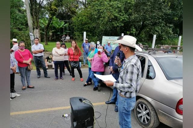 Bloquean carretera en Cuautlita por falta de obra pública