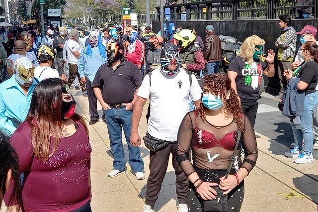 Luchadores en CDMX protestan en favor de la reapertura de arenas