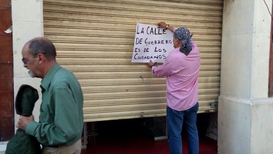 Cierran comerciantes en protesta ante inseguridad