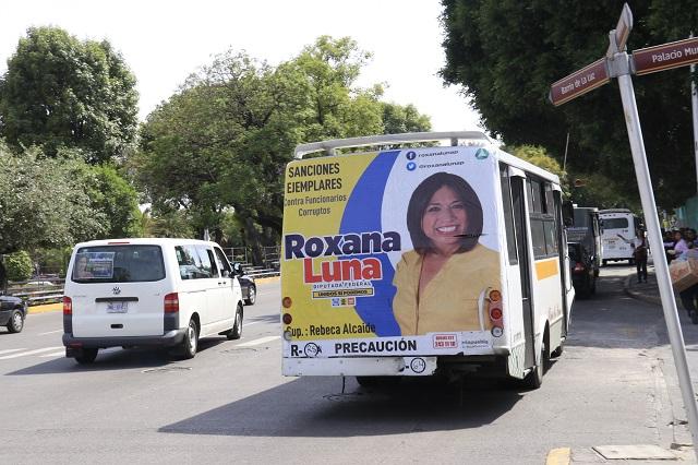 Prohíbe el gobierno de Puebla propaganda electoral en transporte