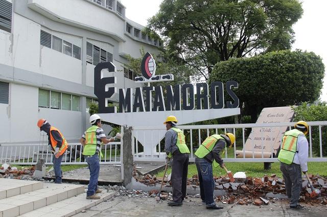 Arrastran problemas escolares 76 municipios a 2 meses de sismo