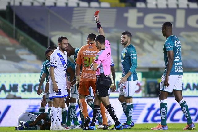 Se acaba el torneo para la Franja; León elimina al Puebla por 3-2