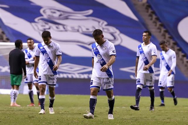 Puebla vuelve al mal camino y pierde 2-0 ante Santos