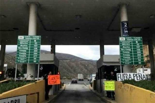 Protestan en puentes fronterizos por el gasolinazo